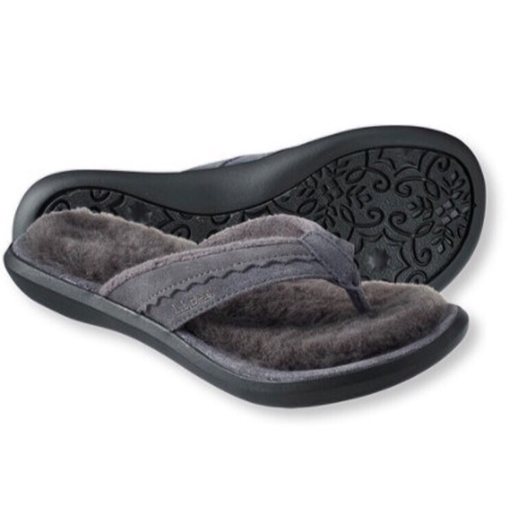 4cc5f3c85ee3f9 L.L. Bean Shoes - LL Bean Wicked Good Slippers Leather Flip-Flops NW